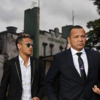Cirurgia de Neymar é apenas disfarce e jogador já está em Franca para compor elenco da Francana